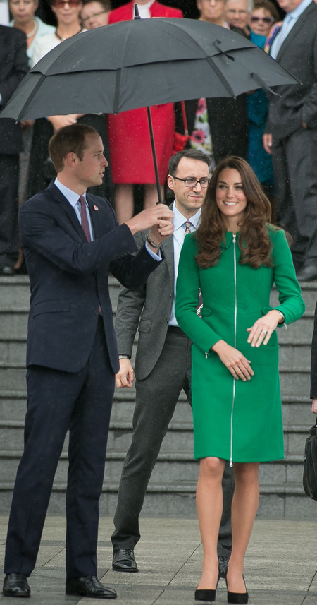 kate middleton in green erdem coat - new zealand royal tour - prince william - what kate wore - ducke and duchess of cambridge - handbag.com