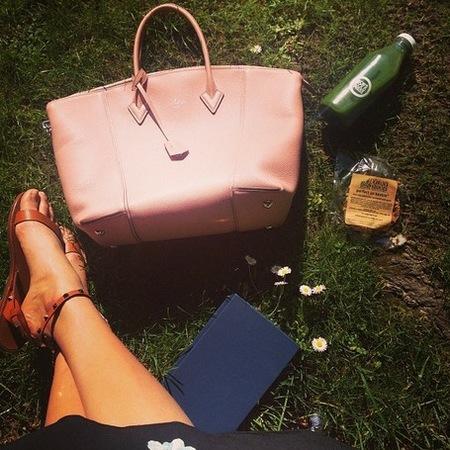 karlie kloss handbag - whats in my handbag - supermodel fashion secrets - designer handbags - handbag.com