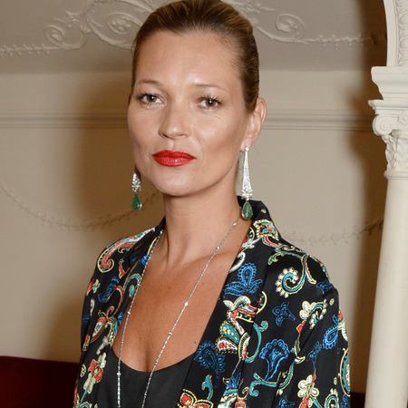 kate moss red lipstick - charlotte tilbury so marilyn red lipstick shade - laurence olivier awards 2014 - kate moss makeup - handbag.com
