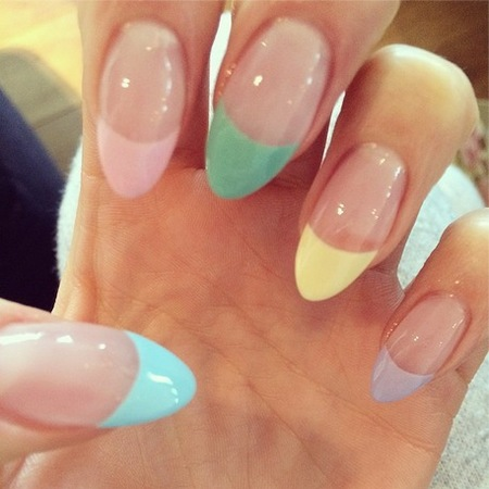 jessie j-nails-pastel colours trend-ice cream candy colours-pink-blue-yellow-nail polish-french manicure tips-handbag.com