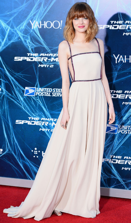 emma stone - amazing spider man 2 - new york film premiere - nude prada dress - shory haircut - celebrity fringe - red carpet fashion - handbag.com