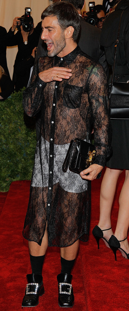 Marc Jacobs at the Met Gala - lace dress - red carpet fashion - celebs on the red carpet - fashion designer - Met Gala - celebrity and fashion news - day bag - handbag.com
