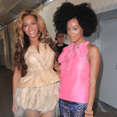 Beyonce and Solange Knowles - celebrity siblings - celebrity news - girls more successful - day bag - news - handbag.com