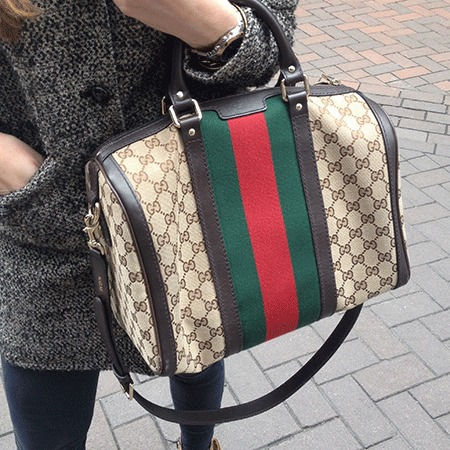 #HandbagConfessions Spanish girl showing us the contents of her Gucci handbag - shopping bag - handbag.JPG