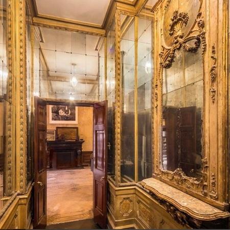 Mary Kate Olsen and Olivier Sarkozy townhouse mirrored hallway - in Manhattan, NYC - celeb news - day bag - handbag.com