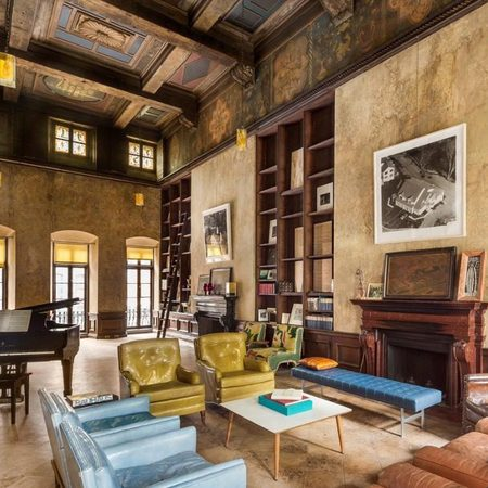 Mary Kate Olsen and Olivier Sarkozy townhouse living room - in Manhattan, NYC - celeb news - day bag - handbag.com