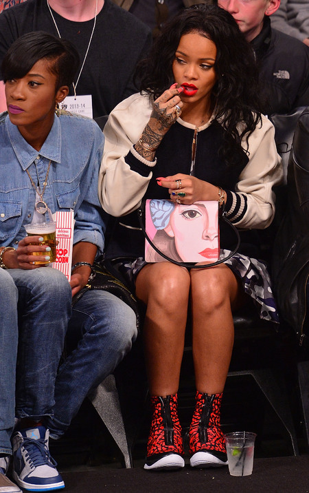 rihanna-prada handbag-face-mural-illustration-courtside basket ball game-nails-handbag.com