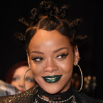The 90s threw up on Rihanna last night