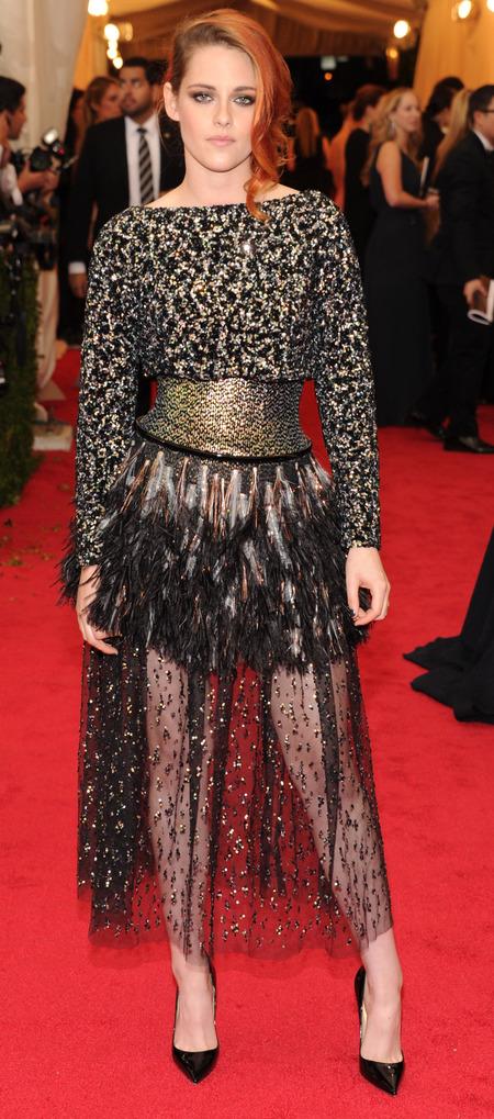 kristen stewart-met gala-chanel dress-black and gold-orange hair-red carpet-handbag.com