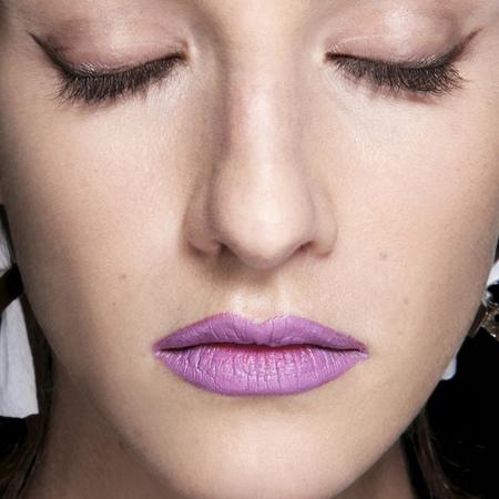 purple lipstick-bright-bold-colourful-statement-lips-makeup trends-prabal gurung-new york fashion week-spring summer 2014-handbag.com