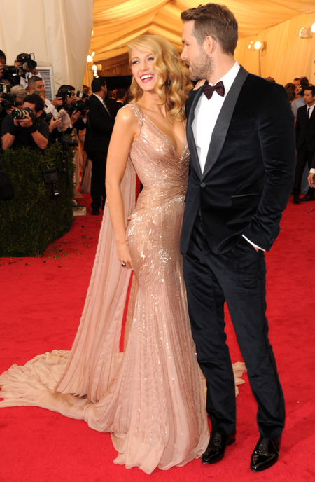 blake lively-ryan reynolds-met gala 2014-pink0bude-dress-blonde hair-red carpet-handbag.com