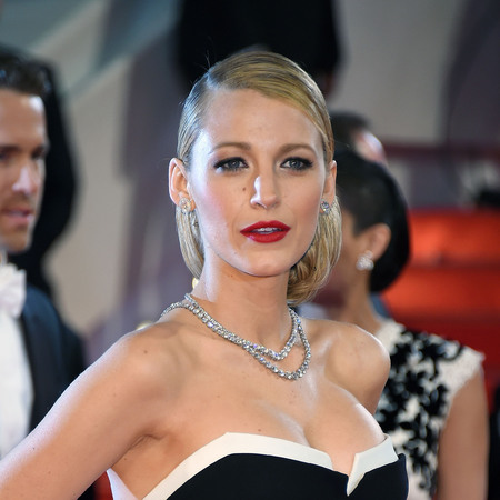 Blake Lively - Cannes film festival makeup - red lipstick - handbag.com