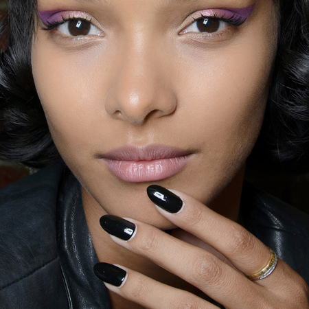 summer nail trends-black-polish-gothic-ss14-jeremy scott new york fashion week-handbag.com