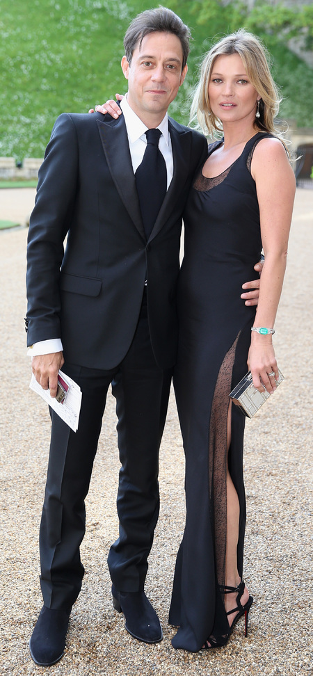 kate moss-jamie hince-black tie-side split black dress-supermodel-prince william-the royal marsden hospital-charity dinner party-2014-handbag.com