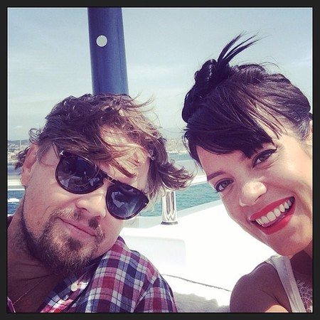 lily allen leonardo dicaprio cannes selfie - lily allen is addicted to celeb seflies - day bag - handbag