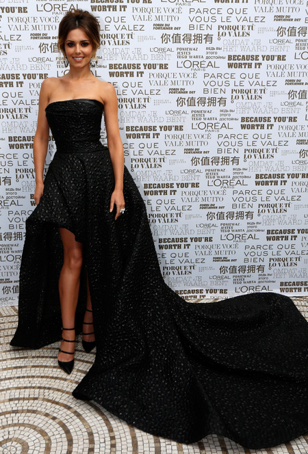 cheryl cole-cannes film festival 2014-black dress-Monique Lhuillier-loreal ambassador-gothic trend-wedding dress ideas-celebrity fashion-handbag.com
