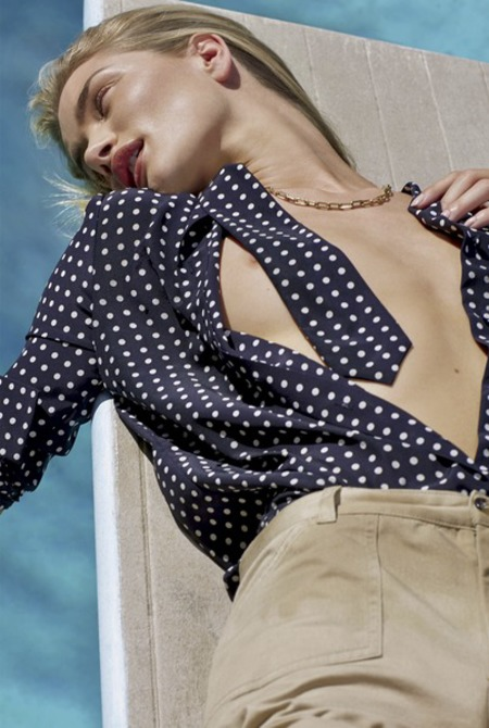 Rosie Huntington Whiteley topless v magazine - polka dot shirt - day bag - handbag