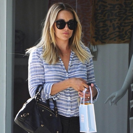 lauren conrad twitter image - balenciaga town bag - preparation for wedding - shopping news - shopping bag - handbag.com