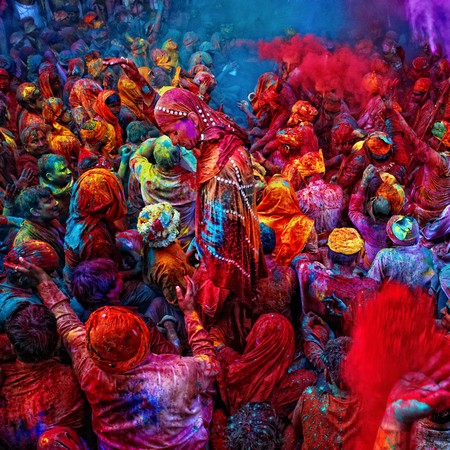 festival of colours - india - matthew williamson - mustdo life experiences - discovery channel - top 10 life experiences - travel feature - travel bag - handbag.com