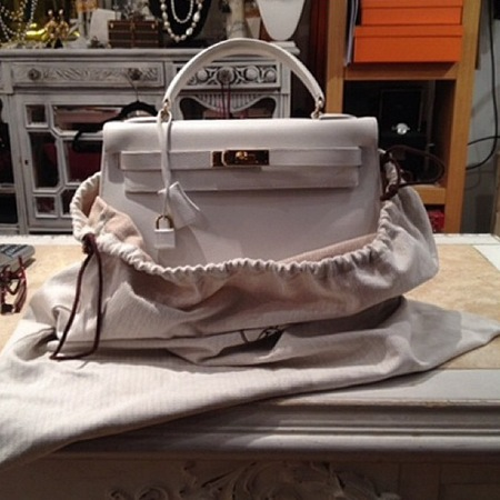 white hermes kelly bag-vintage handbags-second chance resale new york-best handbag shops in the world-holiday ideas-handbag.com