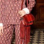 Florence Welch works Gucci's fringe bag