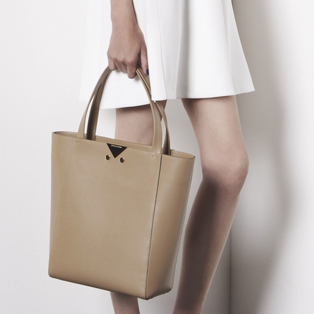 Armani resort collection handbags - brown leather tote - designer handbags - handbag shopping - news - shopping bag - handbag.com