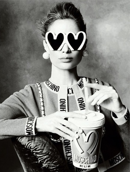 linda evangelist-steven meisel-moschino-mcdonalds bag-advert campaign-spanish vogue-handbag.com