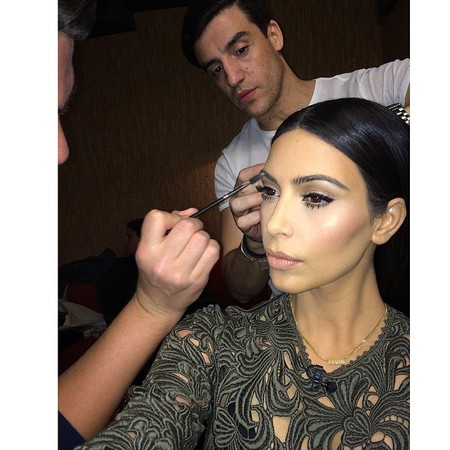 kim kardashian getting her eyebroas done - how to get eyebrows like kim kardashian - beauty bag - handbag