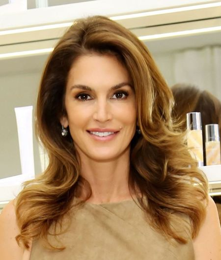 cindy crawford - releases new book - celeb news - day bag - handbag.com