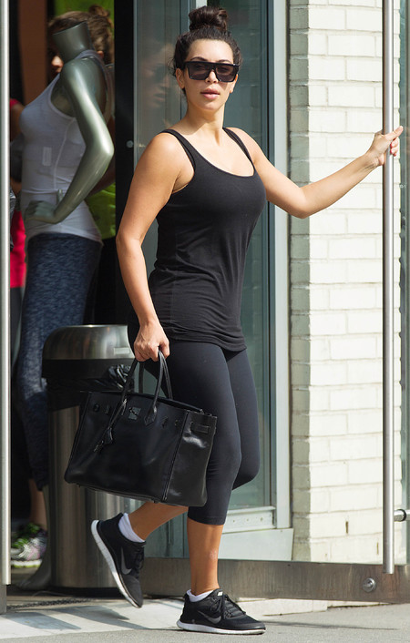 kim kardashian carrying a black hermes bag at the gym - kim kardashian uses hermes as a gym bag - gym bag - handbag
