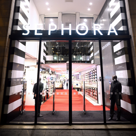 best beauty stores in france - sephora - beauty bag - handbag