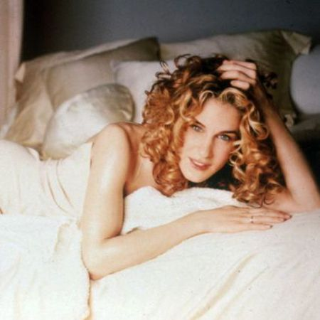 carrie bradshaw-sex and the city-naked dress-first date with big-fashion outfits-handbag.com