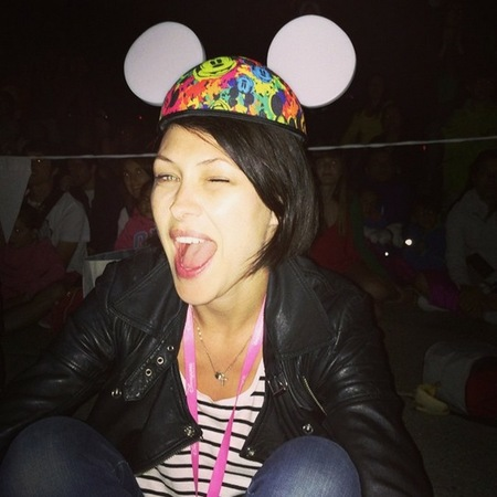 emma wilis-disneyland-mickey mouse ears-matt willis-big brother-handbag.com