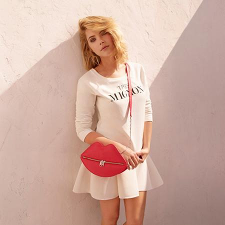 H&M divided red lips bag - ashley benson holding bag - shopping bag - handbag