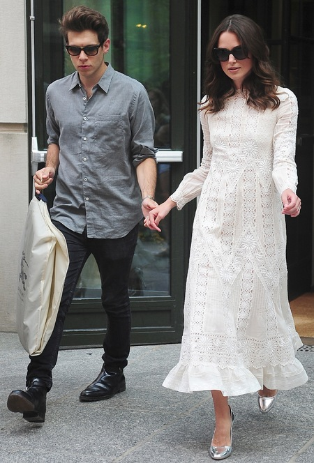 keira knightley-husband james righton-white lace dress-valentino-the daily show with jon stewart june 2014-handbag.com