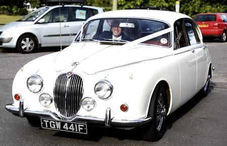 fearne cotton wedding-vintage wedding car-celebrity wedding ideas-handbag.com