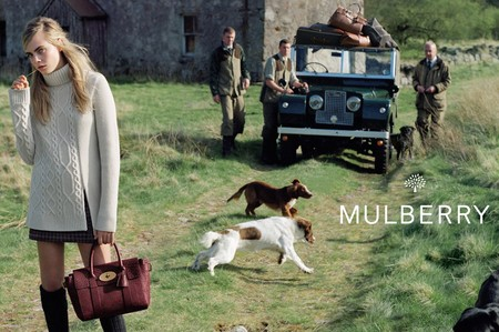 cara delevingne-mulberry-autumn winter 2014-red bayswater handbag-cream knit sweater-dogs and tractor-handbag.com