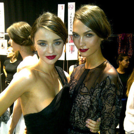 Miranda Kerr and Karlie Kloss backstage - supermodels - handbag.com