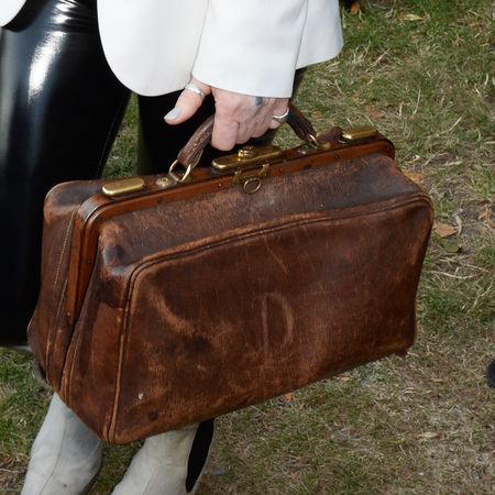 pam hogg-brown vintage bag-serpentine gallery summer party-handbag.com