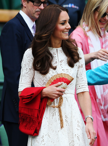 KAte Middleton - wimbledon lace dress - anya hindmarch fan clutch bag - handbag.com