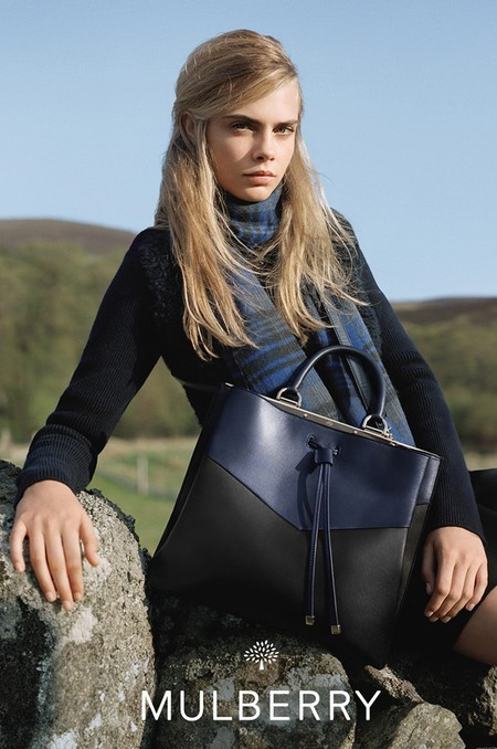 cara delevingne-mulberry-autumn winter 2014-navy handbag-handbag.com