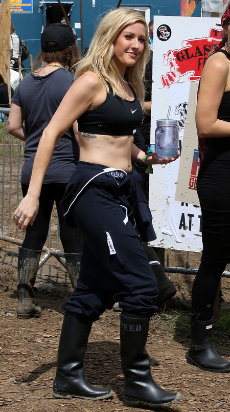 Ellie Goulding's sports bra at Glastonbury 2014
