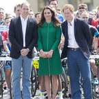 Kate Middleton keeps it French for Tour de France