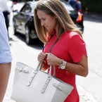 What Kim Sears wears to watch the tennis