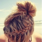 5 summer hairstyles for hot & sweaty days