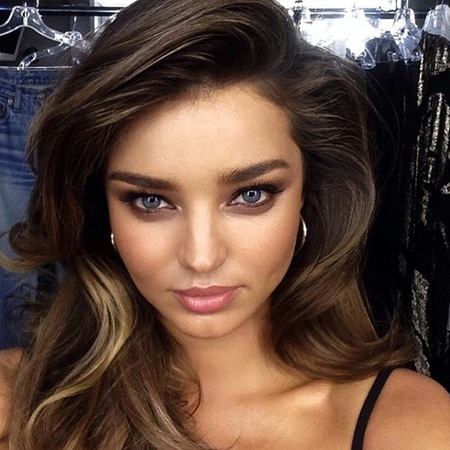 miranda kerr-smoky eyes-summer makeup-how to do smoky eyes in the sunshine-makeup-celebrity style-handbag.com