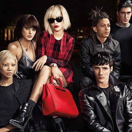 rita ora-dkny-autumn winter 2014-ad campaign-red tartan dress and handbag-blonde bob hairstyle-handbag.com