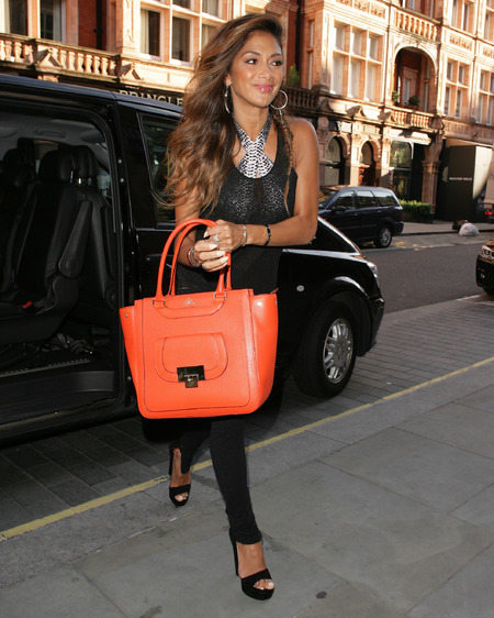 Nicole Scherzinger - london sighting - favourite british designer handbag - milli millu - handbag.com