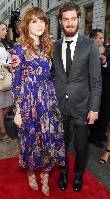 emma stone-purple floral dress-dolce gabbana dress-boyfriend andrew garfield-Magic In The Moonlight film premiere-celebrity red carpet fashion-handbag.com
